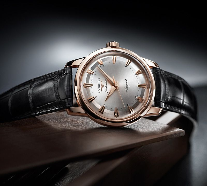 35.00 mm 18 karat pink gold case with Black lacquered polished dial and Alligator strap Black strap
