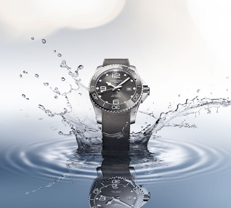 41.00 mm Stainless steel and ceramic case with Sunray grey dial and Stainless steel strap