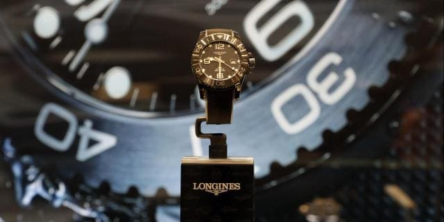 Longines launches the new all-ceramic version broadening Longines