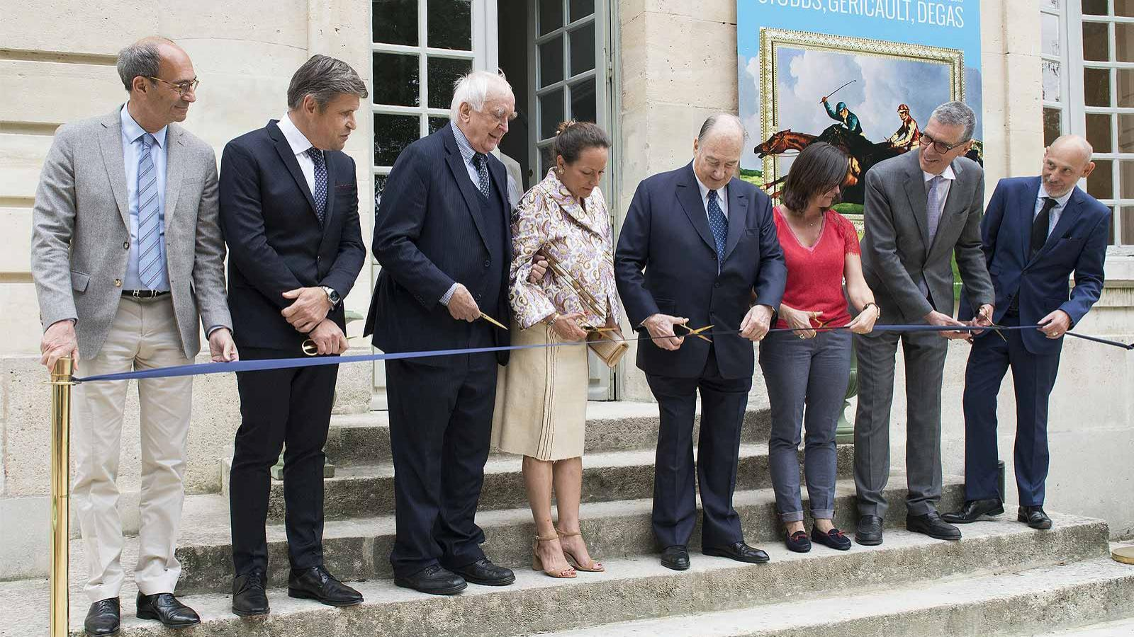 Longines; inaugurates; Painting the races; patron