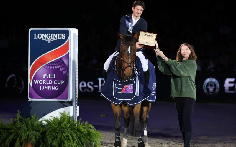 Swiss victory at the Longines FEI World CupTM Jumping Grand Prix of Stuttgart