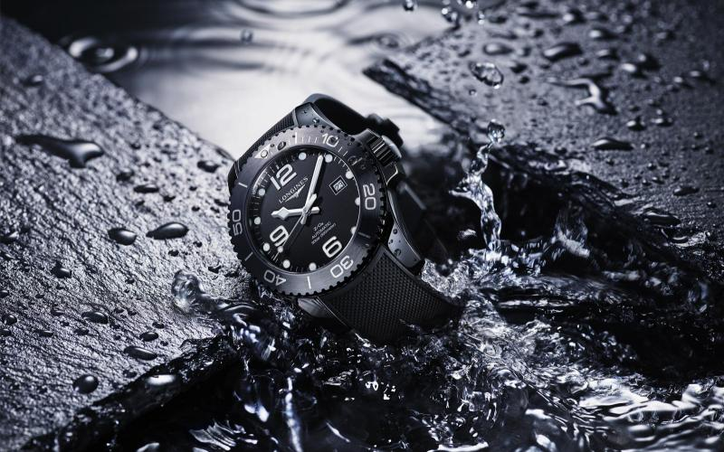 Longines HydroConquest new all-black ceramic version is pre-selected by the 2019 jury of the GPHG in the Diver's watch category
