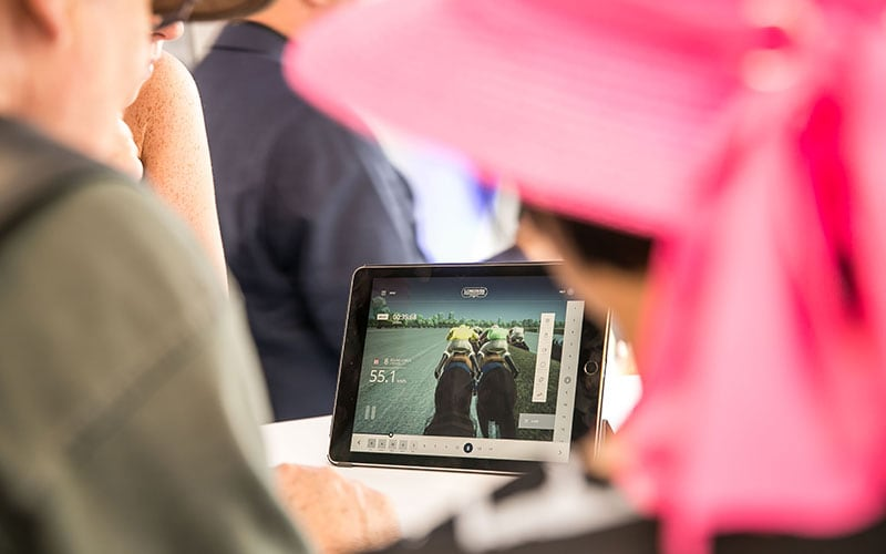 Longines launched its new second screen application during the Longines Grosser Preis von Berlin won by Adrie de Vries riding Dschingis Secret